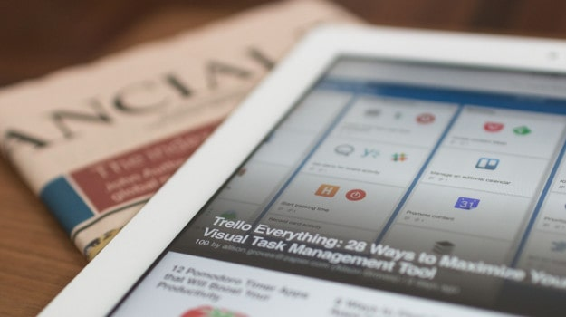 Picture of an Ipad and the financial times